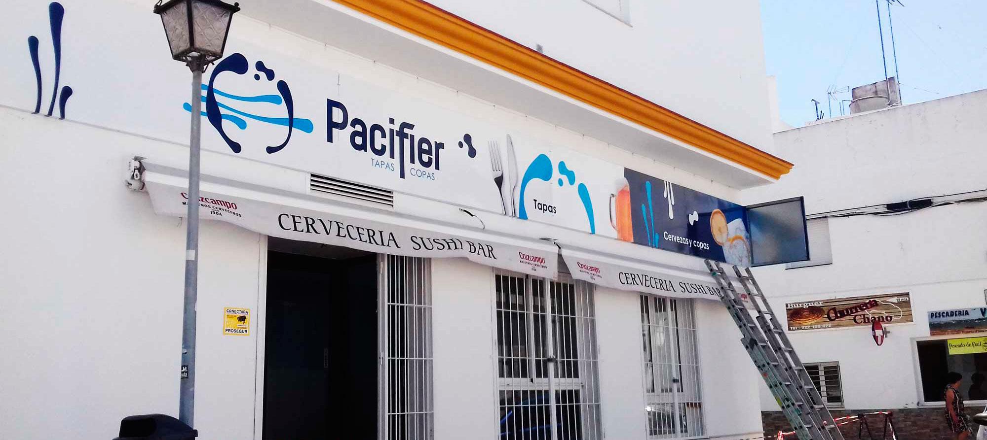 Rótulo para bar de tapas y copas en Chiclana de la Frontera