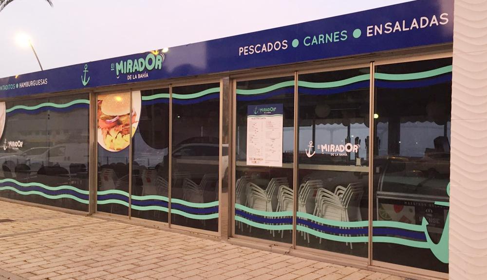 Rotulación exterior para bar en la Bahía de Cádiz