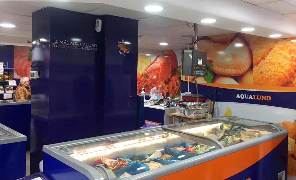 Indoor advertising Aqualund shops